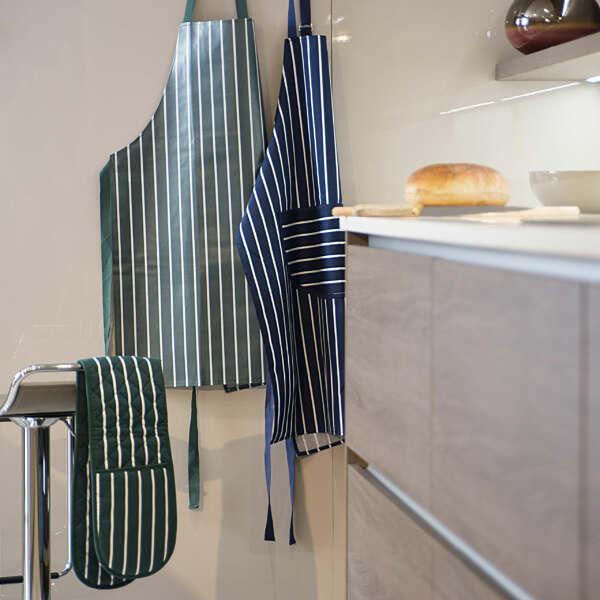 PVC Details about  /Samuel Lamont Butchers Stripe Apron Kitchen Accessories Quality Textiles